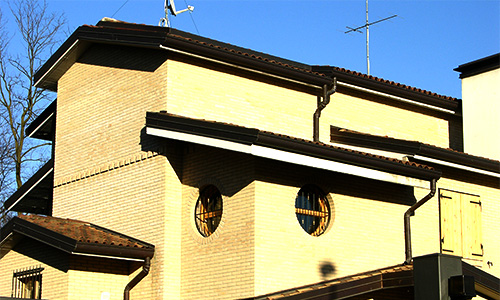 2004. Realizzazione ex-novo di abitazione bifamiliare in Camparada