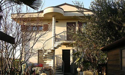 2003. Recupero sottotetto abitazione bifamiliare in Usmate Velate MB;