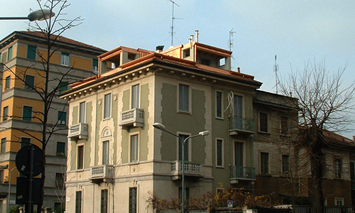 2002. Recupero sottotetto abitazione bifamiliare in Milano