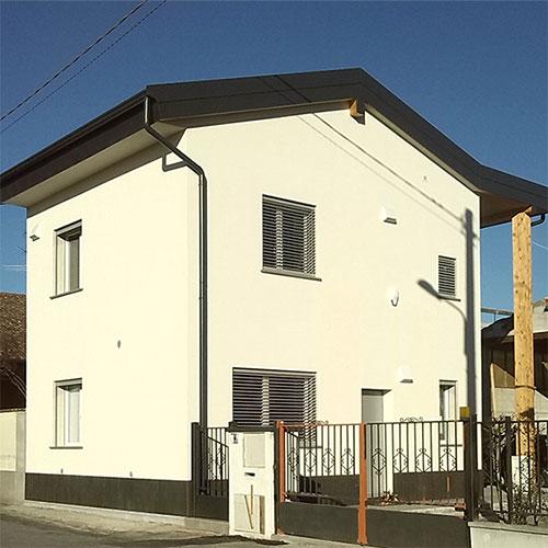 2015. Progetto di Abitazione unifamiliare in Fiesco CR. Struttura in legno, Classe A+ ( Cened )